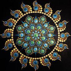 Stone Art Painting, Dot Art Painting, Rock Painting Designs, Mandala Art Lesson, Mandala Drawing, Mandala Painting, Mandala Design, Mandala Pattern, Mandala Painted Rocks