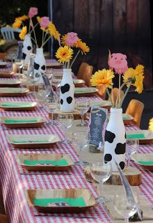 Take a look at this lovely farm themed birthday party! The table settings are g. - Take a look at this lovely farm themed birthday party! The table settings are gorgeous! Farm Animal Party, Farm Animal Birthday, Cowgirl Birthday, Farm Birthday, Birthday Table, Geek Birthday, Circus Birthday, Circus Party, Farm Themed Party
