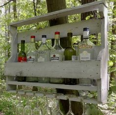 Si vous avez des palettes chez vous, c'est le moment de devenir bricoleur. Vous avez notre article sur la cabane à fabriquer avec des palettes, ou surles idées déco avec les vieilles palettes? Si vous avez aimé ces articles, devenez barista pour vos amis et votre famille, mais attention, car l'alcool est à consommer avec...
