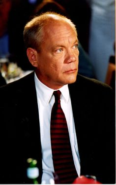 Daniel von Bargen dies at age 64. (6/5/50 - 3/1/15) Known for playing George's boss on Seinfeld among other works.