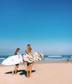 A morninnngggg surf with the girls ☀ sand, salt & sea Beach Photography, Video Photography, Artistic Photography, Summer Pictures, Beach Pictures, Summer Surf, Summer Vibes, Vibe Video, Surfer Magazine