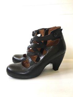 ead3ba3b77e135 Miz Mooz Women s size 9 TILLMAN Black Leather Booties Pump Zip RARE GOOD   MizMooz  Booties  PartyDress
