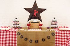 Cowboy party theme table