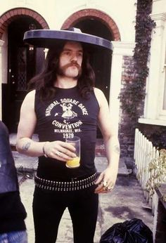 Lemmy-Kilmister-with-a-trash-can-lid-on-his-head