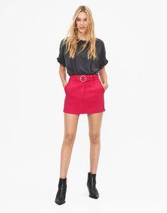 Τζάκετ με μεταλλιζέ νάιλον - New - Bershka Greece Ideias Fashion, Mini Skirts, Fall, Outfits, Tea Length Skirt, Woman, Autumn, Suits