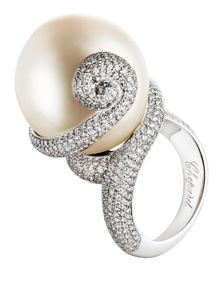 Pearl ring by Chopard created for the film, Nine.