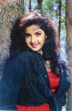A tribute to the forgotten actress, Divya Bharti. Divya was the stormy wave of love that touched us, drenched us, and then passed us. Bollywood Photos, Bollywood Celebrities, Bollywood Cinema, Most Beautiful Bollywood Actress, Beautiful Actresses, Actress Aishwarya Rai, Beautiful Muslim Women, Beautiful People, Vintage Bollywood