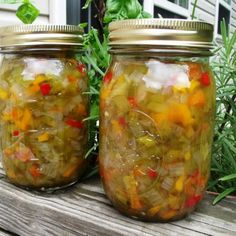 Hot Pepper Relish recipe: Won first prize at New Mexico State Fair! Sweet and hot! Mexican, Spanish and Southwestern influence! Relish Recipes, Canning Recipes, Hot Pepper Relish, Onion Relish, Pepper Jelly, Salsa Guacamole, Dips, Sauces, Mexican Food Recipes