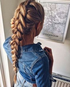 Braided hairstyles are all the rage right now. Great Hairstyles, Summer Hairstyles, Braided Hairstyles, Teenage Hairstyles, Beautiful Hairstyles, Curly Hair Styles, Natural Hair Styles, Corte Y Color, Hair Chalk