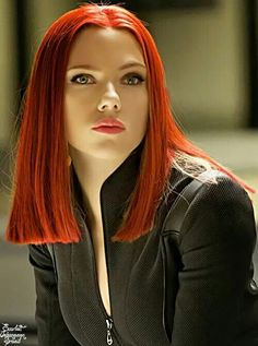 Scarlett Johansson, probably a wig. Whatever, I wish I could get my mop to look like this (not to mention my face!) Black Widow Scarlett, Black Widow Natasha, Marvel Universe, Pretty Woman, Vicky Cristina Barcelona, Avengers, Natasha Romanoff, Scarlett Johansson Red Hair, Marvel Cinematic