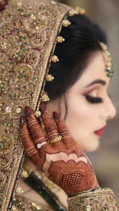 Stunning Indian bride of the year 2020 Pakistani Wedding Outfits, Indian Bridal Outfits, Pakistani Wedding Dresses, Pakistani Bridal Makeup Red, Indian Bride Dresses, Bridal Poses, Bridal Photoshoot, Beautiful Indian Brides, Beautiful Bride