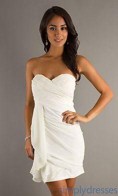 Short White sweetheart Strapless Dress