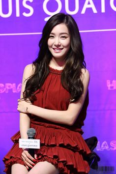 At least u could update a bit or somekind of interaction to sones. pity us. waiting for u. and always keep on waiting. yes u never asked us to wait. am i a fool Tiffany Girls, Snsd Tiffany, Tiffany Hwang, Kpop Girl Groups, Kpop Girls, Korean Girl Groups, Girls' Generation Tiffany, Girls Generation, Yoona