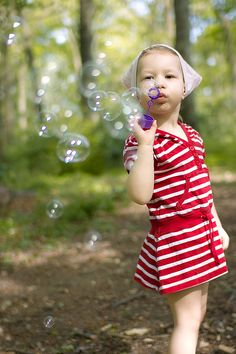 Bubble Fun, Blowing Bubbles, Simple Pleasures, Childhood Memories, Party Ideas, Calm, Amazing, Birthday, Beach