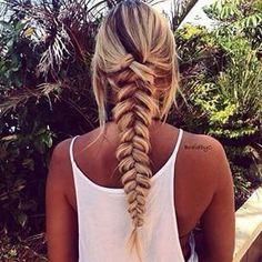 Lovely Bangs & Braid (Hair and Beauty Tutorials) Good Hair Day, Great Hair, Messy Hairstyles, Pretty Hairstyles, Peinado Updo, Hair Dos, Gorgeous Hair, Hair Hacks, Her Hair
