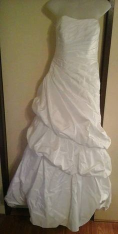 Our cause works because generous people in the community donate their wedding dresses so that we can turn them into Angel Gowns.  Please contact us if you or someone you know has a wedding dress that can be donated.