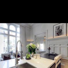 White & grey modern kitchen