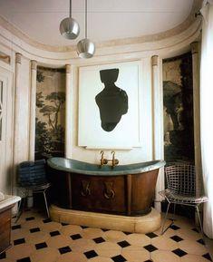 Copper bathtub, scenic wallpaper, two-tone floor tile. Bathroom Artwork, Bathroom Interior, Small Bathroom, Bathroom Showers, Bathroom Plants, Design Bathroom, Bathroom Remodeling, Master Bathroom, Decoration Inspiration