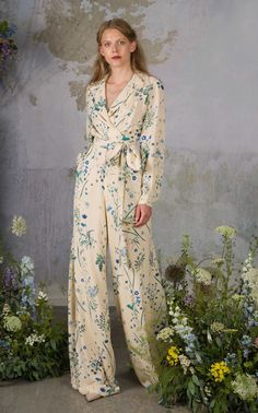 Get inspired and discover Luisa Beccaria trunkshow! Shop the latest Luisa Beccaria collection at Moda Operandi. Luisa Beccaria, Hijab Fashion, Fashion Outfits, Floral Jumpsuit, Overall, Elegant Woman, Fashion 2020, Jumpsuits For Women, Stylish Outfits