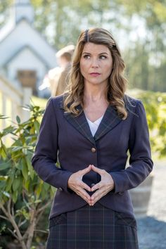 First Look: When Calls the Heart Episode 'Heart of Truth'