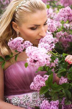foto: Алина Шкомердяка http://vk.com/alinashan mua: Марьяна Купчук http://vk.com/id134195081 dress: Ольга Садовская http://vk.com/sadovska_s #фотосессия #сирень #весна #like #flowers #photoday #photokiev #photo #potfolio #mywork #makeup #girl #photostory #thestory #maryna kupchuk #dress #киев #фотосесси #макияж