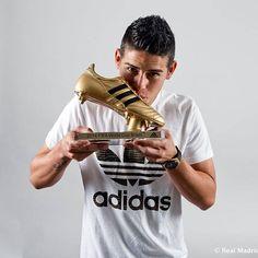 Hoy se cumple un año desde que James recibio el botin de oro como el goleador del pasado Mundial CRACK! @jamesrodriguez10 @realmadrid #AdmiradoresJamesRodriguez #JamesRodriguez #SelecciónColombia #Colombia #ColombiaSomosTodos #RealMadrid #Madrid #HalaMadrid #HalaMadridYNadaMas #Rusia2018