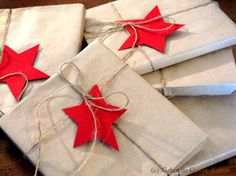 My easy wrapping for this year: cute, simple and cheap! Done and done!