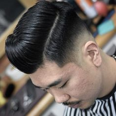 The 18 Best Examples of a Low Fade Comb Over Haircut Low Fade Comb Over, Long Comb Over, Thick Curly Hair, Curly Hair Styles, Natural Hair Styles, Classic Hairstyles, Latest Hairstyles, Medium Skin Fade, Comb Over Haircut