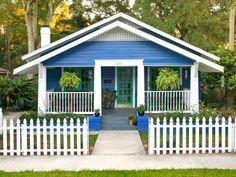 <i>HGTV Magazine</i> found eye-catching houses loaded with inspiring ideas.