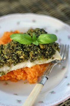 Marias Salt og Søtt: Sei med sprø pesto- og oliventopping og grov søtpotetmos