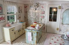 Lulu's Maison: cute kitchen... and bed made from veneer wood