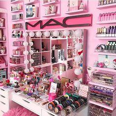 "809 Likes, 9 Comments - @lovely__decor on Instagram: ""Amazing  via @luxury__love__ @unicorn._.vanity  #makeup #instamakeup #cosmetic #cosmetics…"""