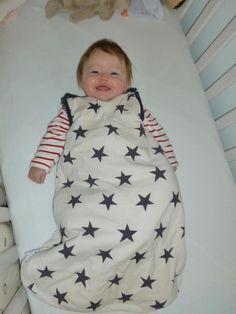 El saco de dormir para bebés Babasac para utilizar todas las estaciones del año.... http://www.mibabyclub.com/tienda/sueno-del-bebe/cunas-sacos-para-domir/saco-de-dormir-bebes-babasac-azul.html