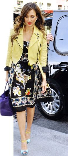 Jessica Alba casual day dress :)