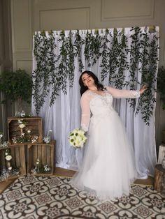 Happy bride. Nature wedding theme