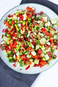 Simple salad with peppers, tomatoes and edamame beans - Salat Ideen Easy Salad Recipes, Easy Salads, Vegetarian Recipes, Healthy Recipes, Salad Menu, Salad Dishes, Fruit Salad, Crab Stuffed Avocado, Cottage Cheese Salad