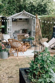 Inspired Home Tour {Upstairs} Boho Summerhouse - Theresa's Four Bed Edwardian Garden With Boho Inspired Summer House. Image By Adam Crohill.Boho Summerhouse - Theresa's Four Bed Edwardian Garden With Boho Inspired Summer House. Image By Adam Crohill. Summer House Garden, Garden Cottage, Home And Garden, Summer House Decor, Garden Houses, The Garden Room, Small Summer House, Garden Cabins, Summer Houses