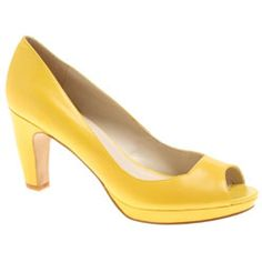 um why are yellow shoes on pinterest???? but none are in my life?!?>!?!?!