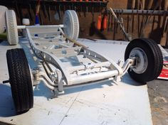 Châssis de la maquette hot Rod Ford 32 sur ses roues