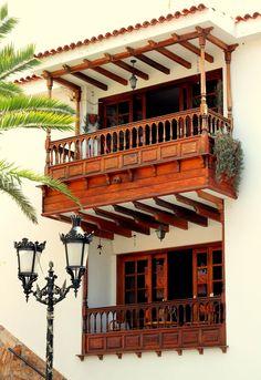 Kerala Architecture, Concept Architecture, Architecture Design, Window Design, Door Design, Waiting Room Decor, Minimal House Design, Prefab Modular Homes, House With Balcony