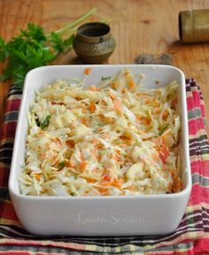 Salata Coleslaw - rețeta simplă, perfectă ca garnitură Yami Yami, Pasta, Coleslaw, Food Art, Carne, Potato Salad, Macaroni And Cheese, Salads, Good Food