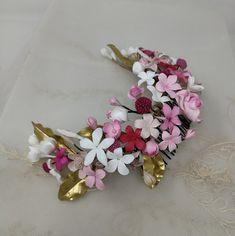 Tocados de novia. Tocados de porcelana ,tocados flores porcelana,coronas novia,tocados porcelana,Floral Bridal blossoms headpice,joyeria ceramica,..