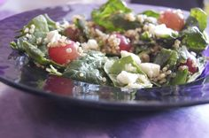 Switched out feta for goat cheese to make it dairy free too and used toasted walnuts! Quinoa Grape and Feta Salad - The Chalkboard Spinach Salad Recipes, Spinach And Feta, Healthy Salads, Healthy Eating, Healthy Recipes, Yummy Recipes, Healthy Food, Feta Salad, Quinoa Salad
