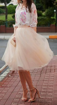 pale coral tulle skirt http://rstyle.me/n/uhedwpdpe