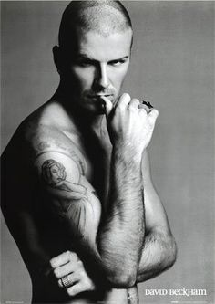 Rumour has it there's going to be an ad campaign for Emporio Armani featuring David Beckham with Angelina Jolie! I love the idea of David Beckham and Angelina David Beckham Tattoos, David Beckham Haircut, Gorgeous Men, Beautiful People, Pretty Men, Pretty Boys, Bend It Like Beckham, David And Victoria Beckham, Hollywood