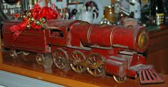 This would make the world's greatest Christmas present. Wow.   Vintage 1910 Schieble DAYTON HILL CLIMBER Friction Steel Tin Toy Train Locomotive & Coal Car