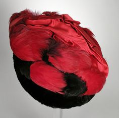 Toque: ca. 1914, American (probably), silk satin, fur, feathers.  | LACMA Collections