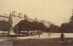 Ulica Basztowa i Planty na przełomie XIX i XX wieku Ujęcie z wylotu ulicy Garbarskiej, spod Hotelu Krakowskiego,, jeszcze z efektowną, eklektyczną zabudową. Z lewej pomnik Reytana.