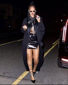 Rihanna Looks, Rihanna Riri, 2000s Fashion, Fashion Outfits, Womens Fashion, Rihanna Street Style, Rihanna Outfits, Rihanna Fashion, Celebs