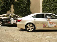 Die außergewöhnliche Platzierung der Digitaldrucke lenkt die Aufmerksamkeit und das Interesse an Fahrerassistenzsystemen für die Kampagne ´bester beifahrer´.